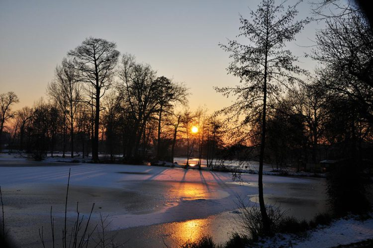 lac-maison-blanche-hiver